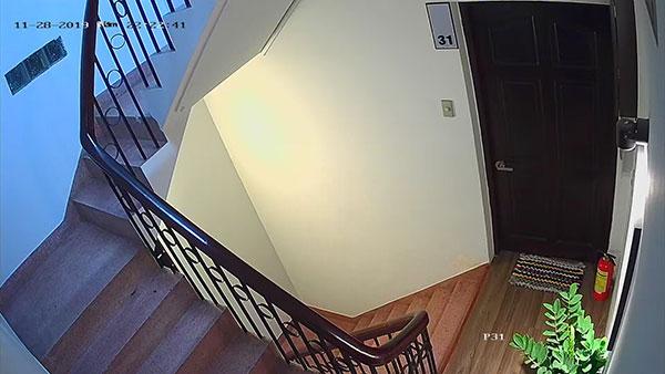 Camera lắp cầu thang bộ